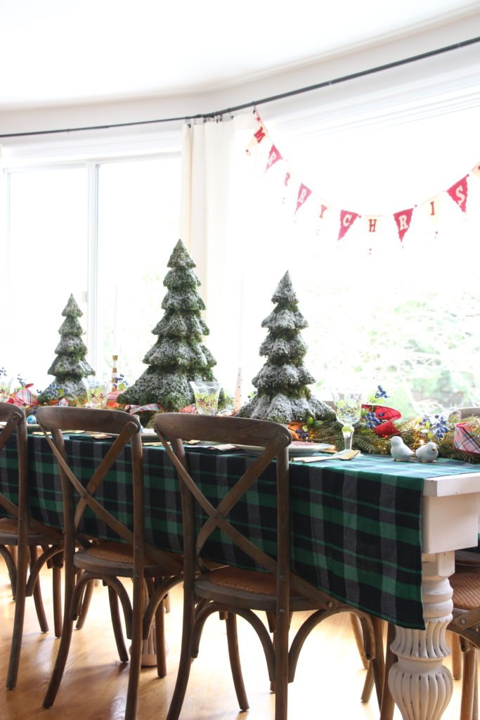 plaid tablecloth, farmhouse christmas