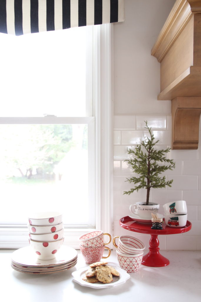 red cake stand, christmas pottery, chrisms baking ideas