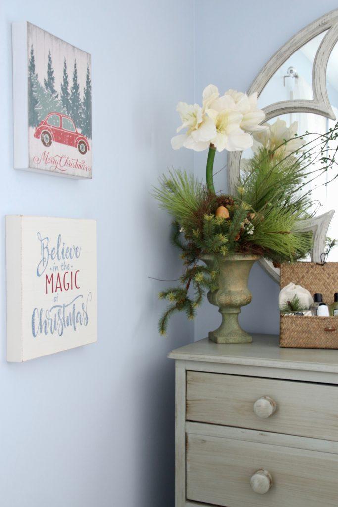 hooked christmas , christmas arrangements,guest bedroom ideas