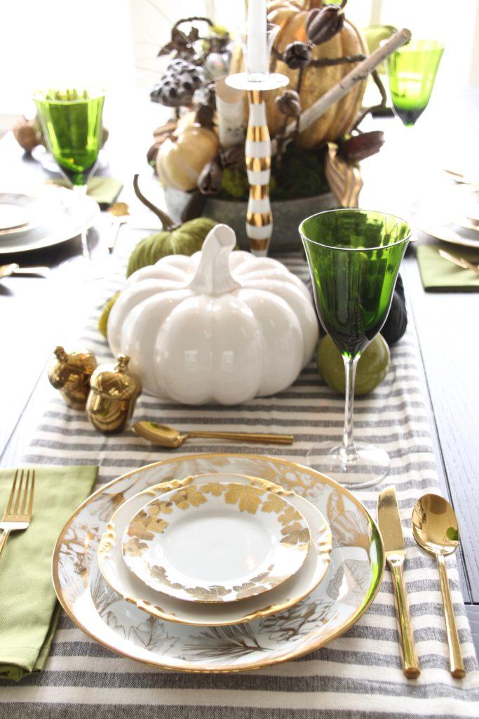 Thanksgiving dinner plates, pretty tables, white farmhouse tables