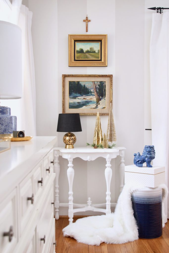 hanging artwork in your master bedroom, decorating ideas, christmas bedroom ideas