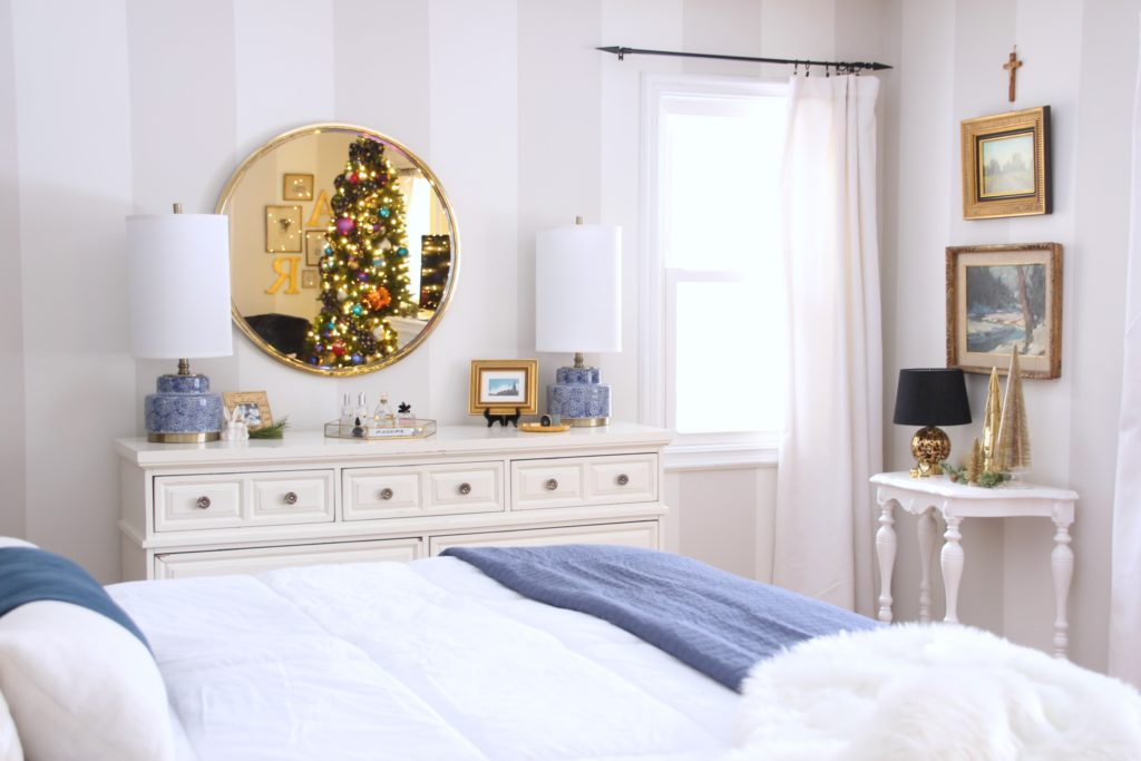 christmas bedroom ideas, decorating your master bedroom, bedroom christmas trees
